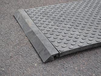 plaques de protection sols stabilis s sols meubles plaques de roulage aquitaine bordeaux dax pau. Black Bedroom Furniture Sets. Home Design Ideas